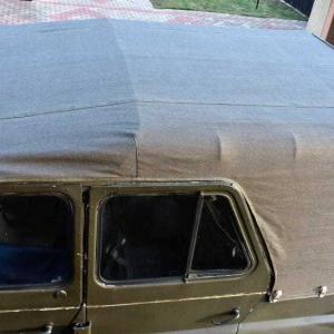 UAZ with customizable canvas hood