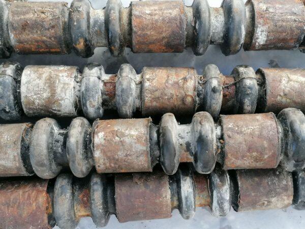 MT-LB, 2S1 Gvozdika track pins