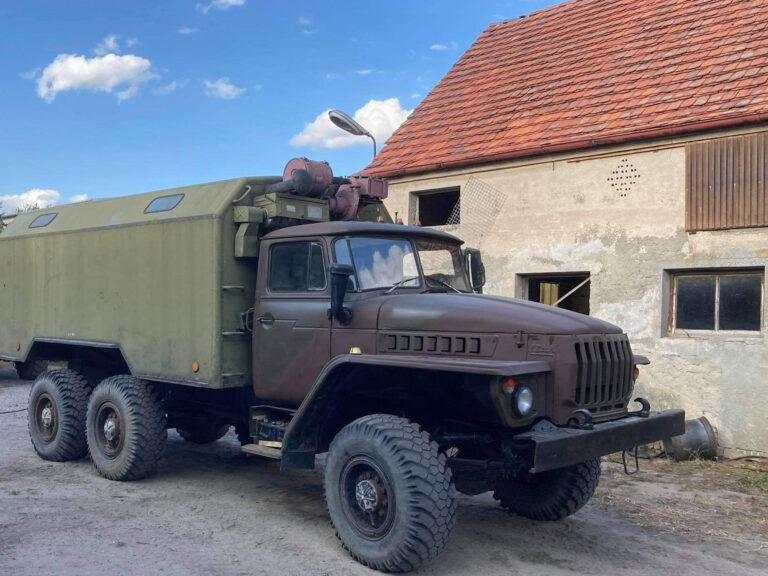 Ural 4320 with KUNG radio box